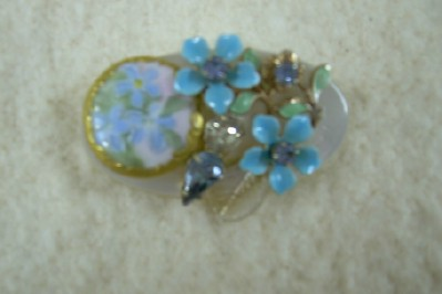 Antique Button Brooch with Flowers